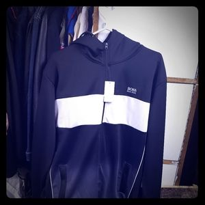 MENS SIZE LG HUGO BOSS TRACKSUIT (TOP AND BOTTOM)